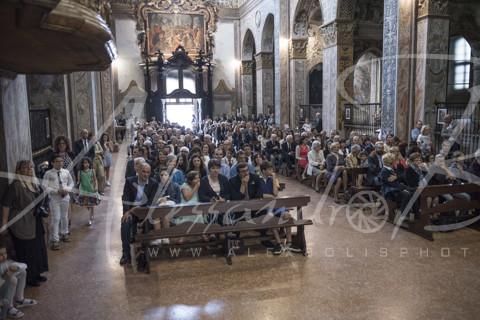 Fedeli - chiesa