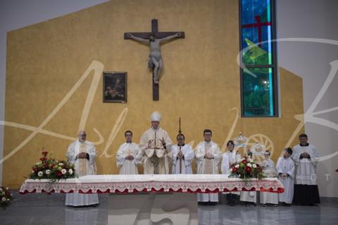 Vescovo e Sacerdoti